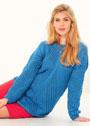 Синий пуловер в полосами, связанными в разных направлениях. Спицы