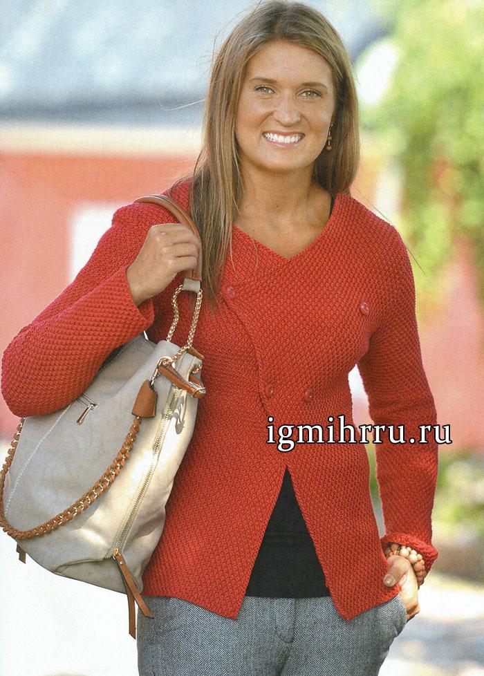 Красный жакет из мериносовой шерсти, с косыми полочками. Вязание спицами