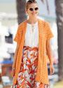 Летний оранжевый жилет с плетеным узором. Спицы