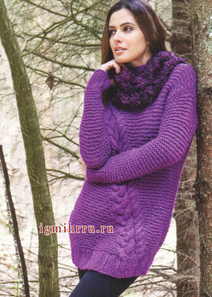Теплый удлиненный пуловер с косой, дополненный снудом, от Lana Grossa. Спицы