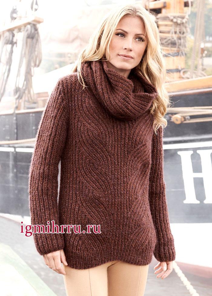 Коричневый пуловер с косами из английской резинки, дополненный шарфом-хомутом, от немецких дизайнеров. Вязание спицами