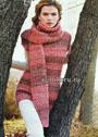 Комплект в темно-розовой гамме: удлиненный свитер с короткими рукавами и длинный шарф. Спицы