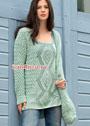 Весенне-летний комплект мятного цвета: удлиненный пуловер и сумка с плетеными узорами. Спицы