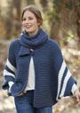 Синий жакет-накидка с белыми полосами, дополненный шарфом. Спицы