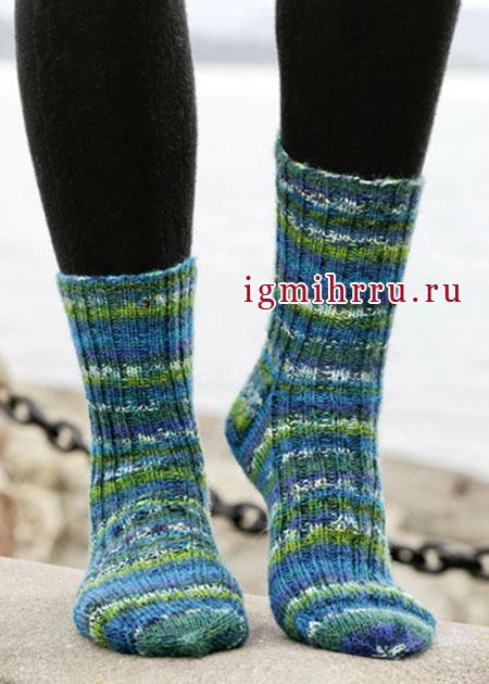 Шерстяные носки из секционно окрашенной пряжи, от Drops Design. Спицы