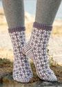 Носки с геометрическим узором. Спицы