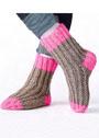 Двухцветные теплые носки. Спицы