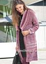 Эффектное пальто ягодных оттенков с сочетанием узоров. Спицы
