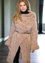 Объемное пальто, связанное узором с ромбами и косами. Спицы
