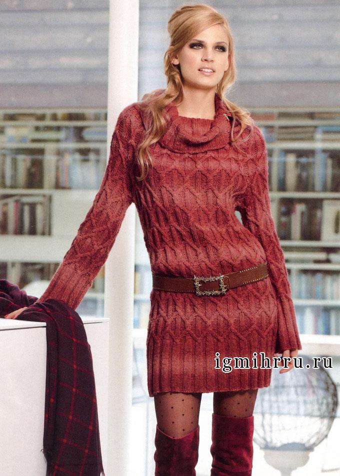 Уютное теплое платье в коралловых тонах, с круглой кокеткой и косами, от Verena. Спицы