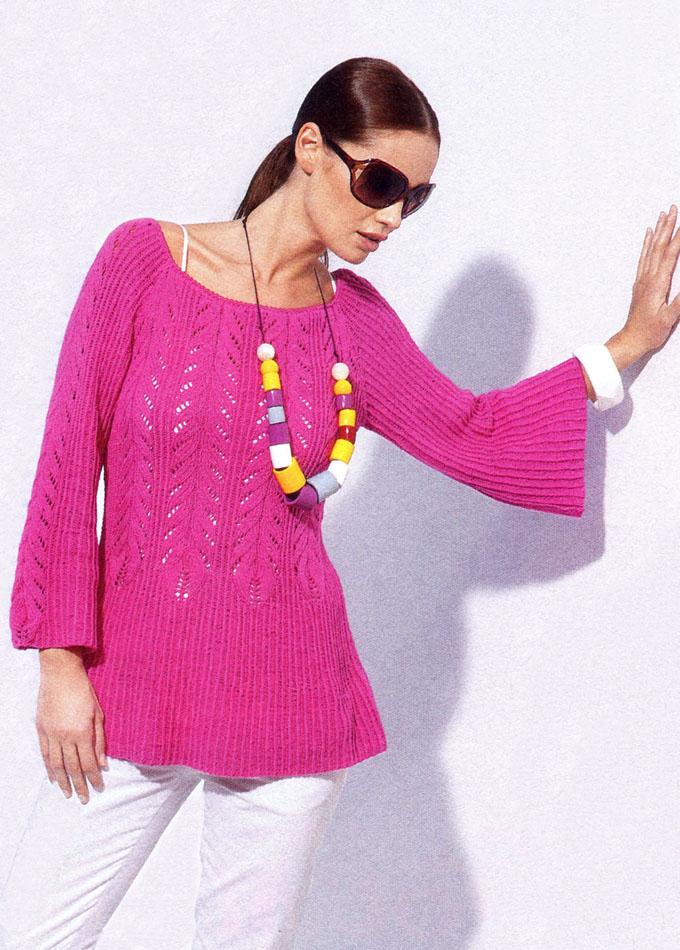 Туника цвета цикламена с расклешенными рукавами и ажурной косой, от Lana Grossa. Вязание спицами