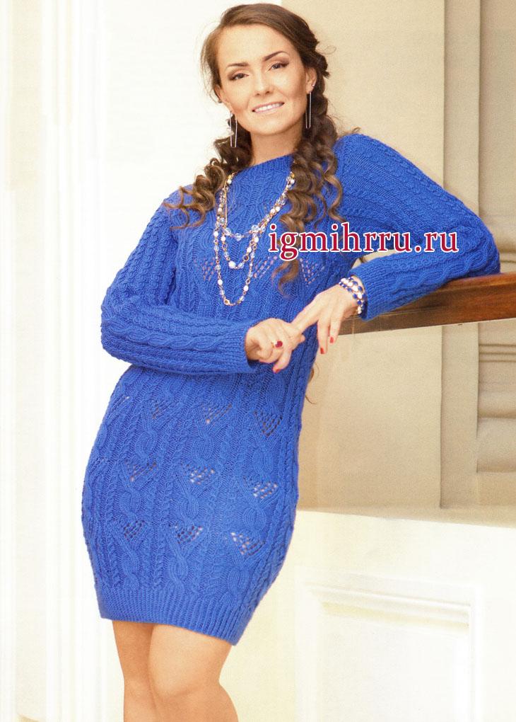 Синее платье из фантазийных узоров с косами. Вязание спицами