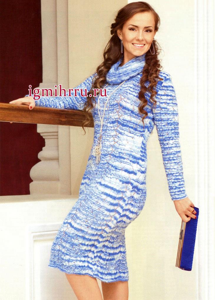 Повседневное меланжевое платье в бело-голубых тонах. Вязание спицами