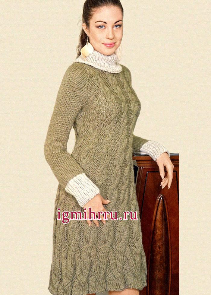 Платье оливкового цвета с крупным рельефным узором. Вязание спицами