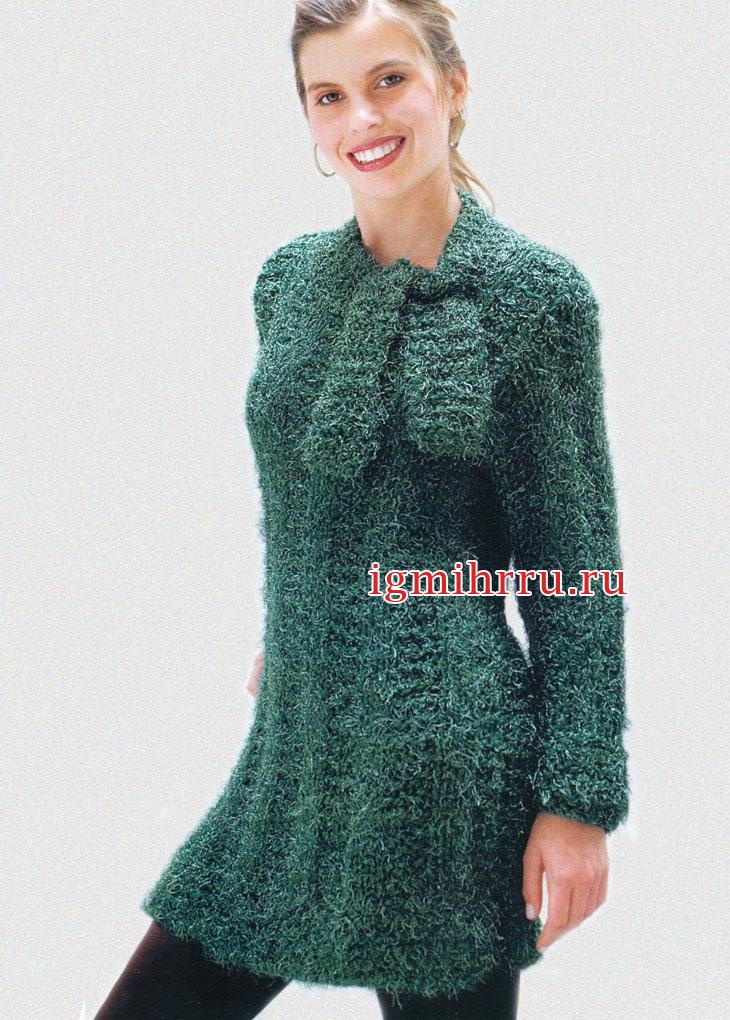 Пушистое зеленое платье с завязывающимся воротником. Вязание спицами