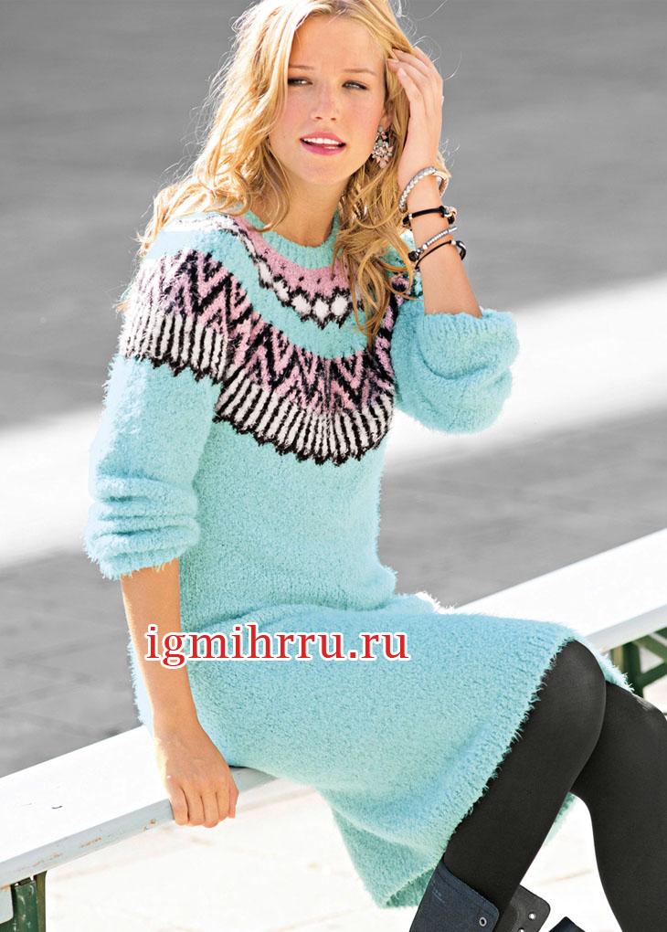 Платье мятного цвета с жаккардовой кокеткой. Вязание спицами