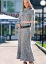 Длинное меланжевое платье с высоким воротом. Спицы