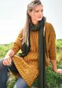 Платье цвета охры со сплошным узором из кос. Спицы