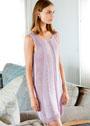 Летнее розовое платье с сетчатыми боковыми вставками. Спицы