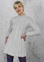 Женственное расклешенное платье с косами. Спицы