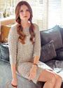 Платье цвета льна с ажурным и дырчатым узорами. Спицы