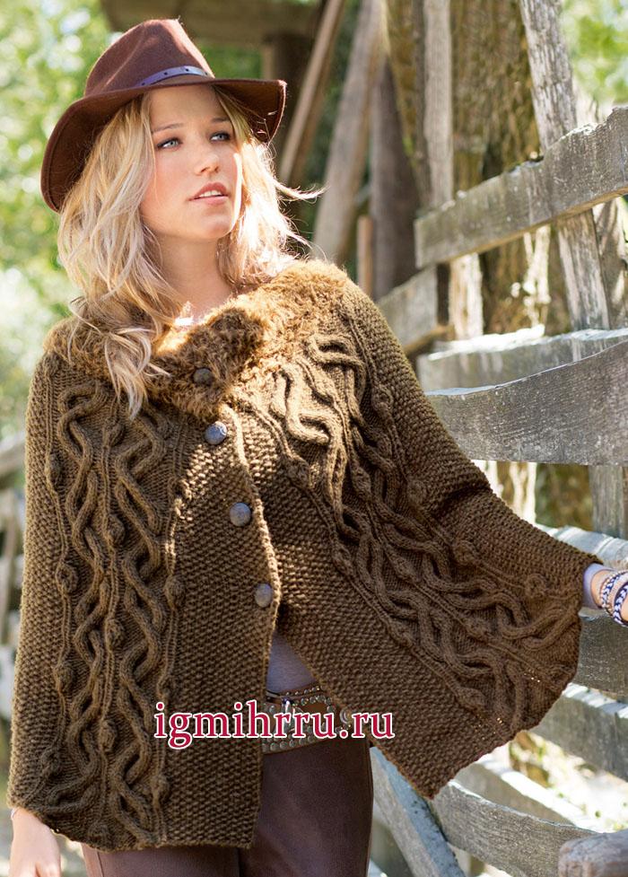 Теплая коричневая накидка с красивым узором из кос, связанная единым полотном. Вязание спицами
