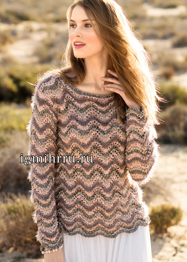 Пуловер с волнистым узором из разных видов пряжи. Вязание спицами