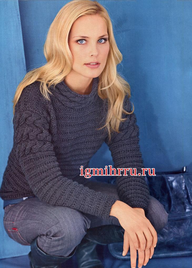 Темно-серый пуловер, связанный резинкой поперек, с планками из кос. Вязание спицами