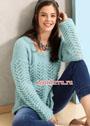 Нежный голубой пуловер с кружевным узором. Спицы