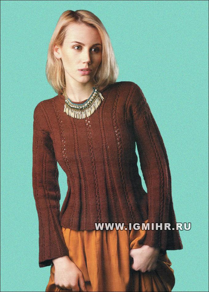 Пуловер цвета шоколада с ажурными полосами и расклешенными рукавами. Спицы