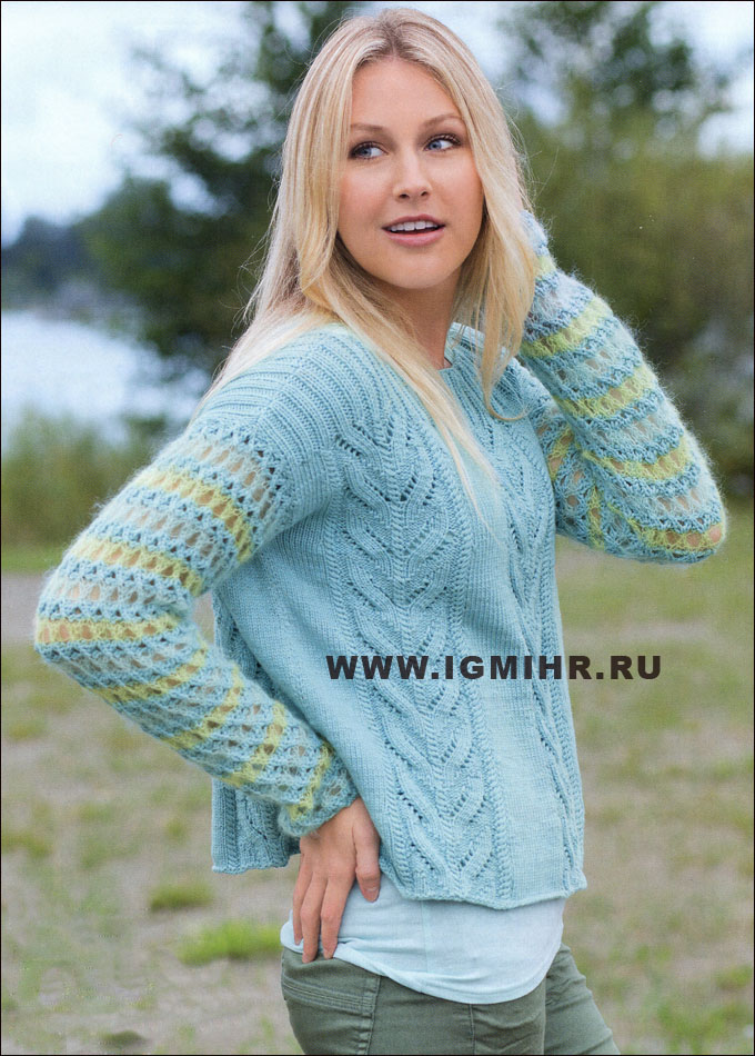 Пуловер с узором из листьев и ажурными рукавами. Спицы