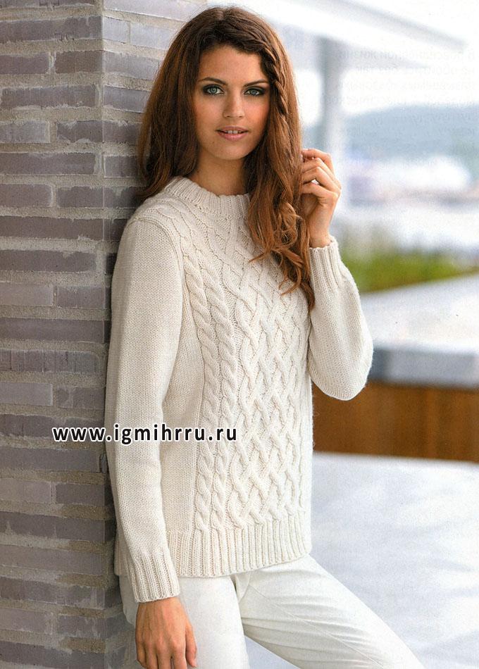 Теплый белый пуловер с красивым рельефным узором, от финских дизайнеров. Спицы