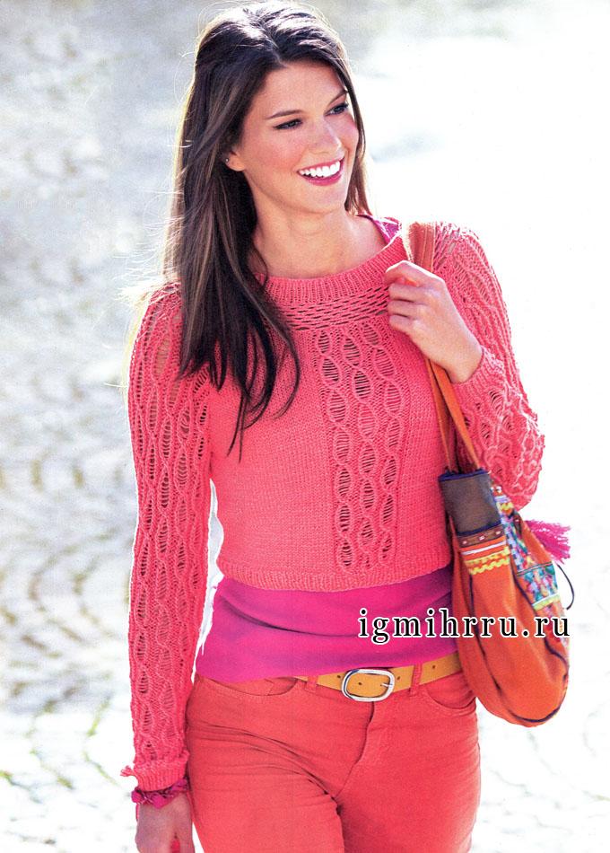 Короткий розовый пуловер с ажурными полосами и кокеткой. Вязание спицами и крючком