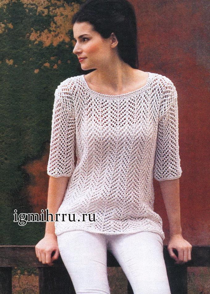 Пуловер белого цвета с узорами-дорожками. Вязание спицами