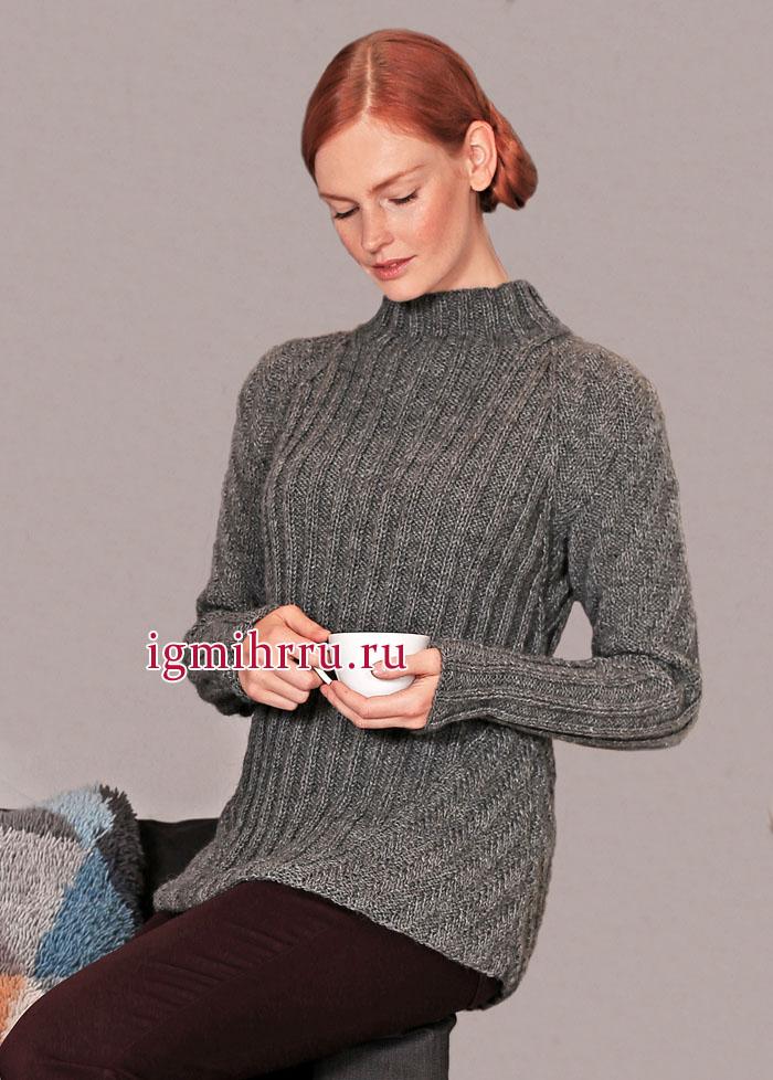 Теплый серый пуловер, связанный резинками в разных направлениях, от финских дизайнеров. Вязание спицами