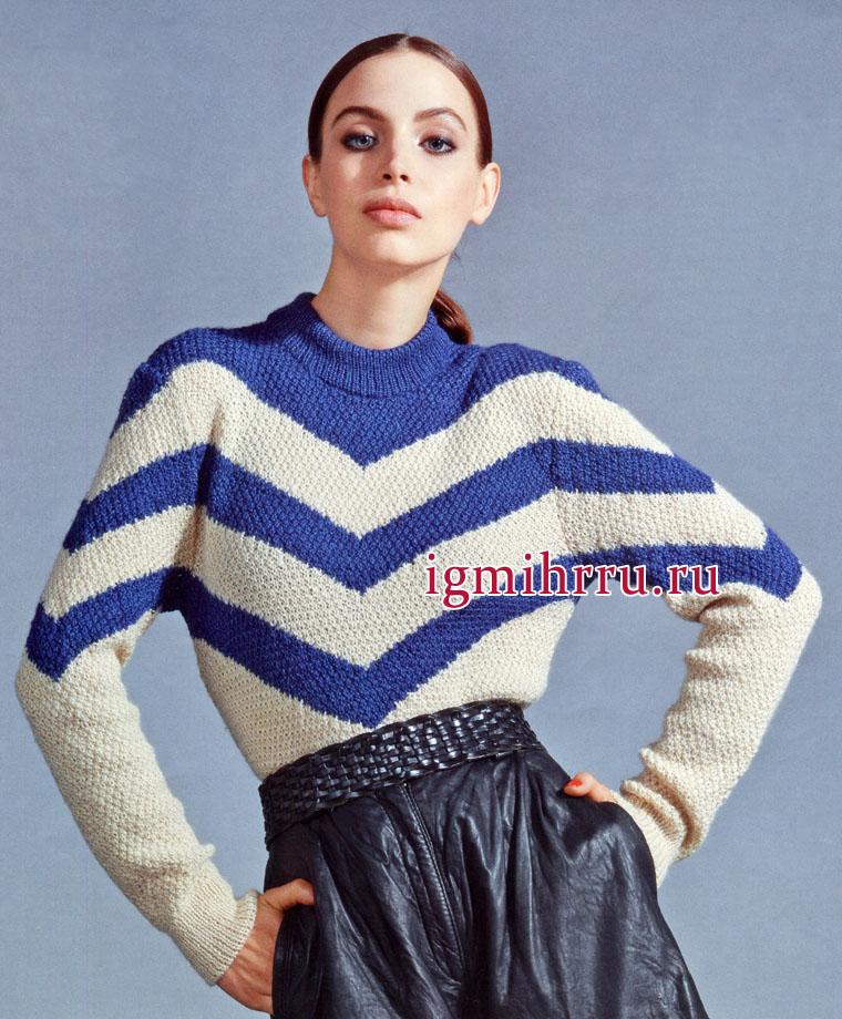 Полосатый сине-белый пуловер из шерстяной пряжи с добавлением шелка. Вязание спицами