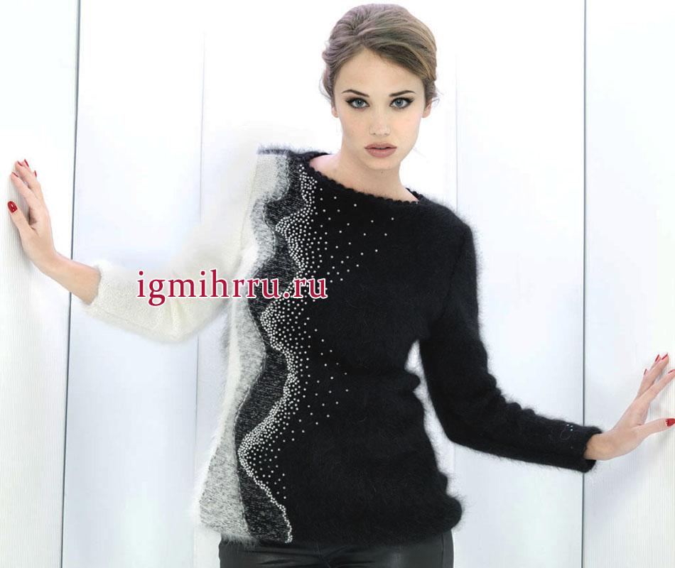 Нарядный черно-белый пуловер, украшенный бисером. Вязание спицами