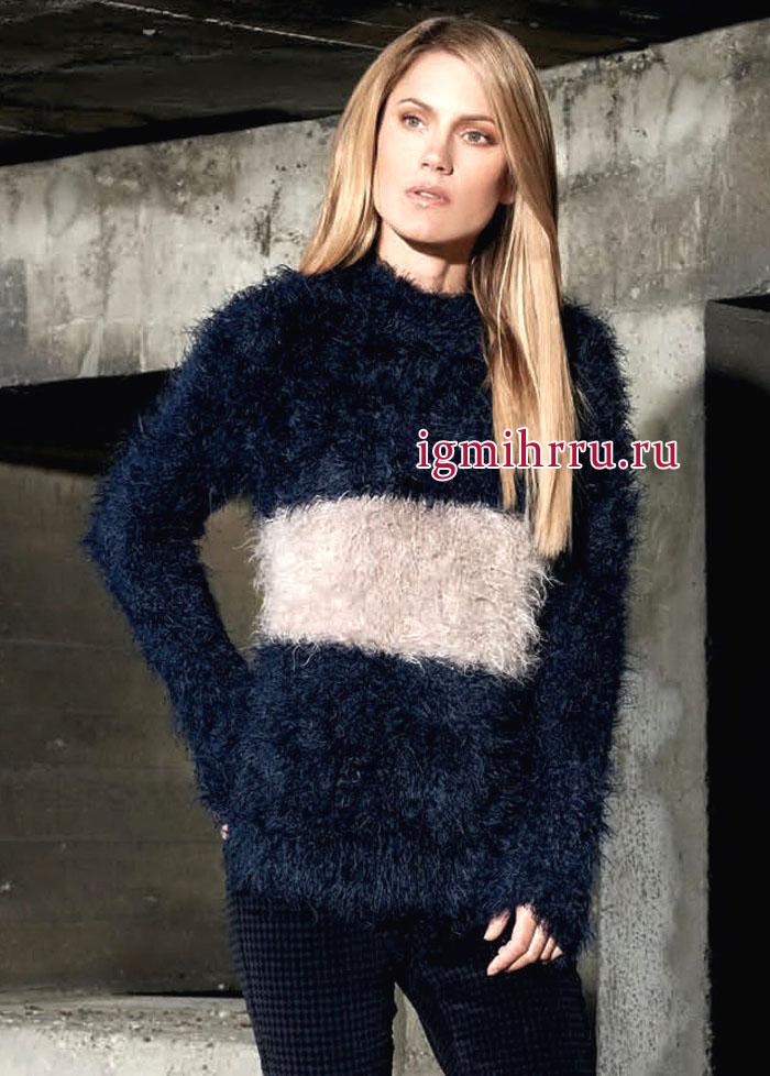 Двухцветный пуловер из модной пушистой пряжи. Вязание спицами