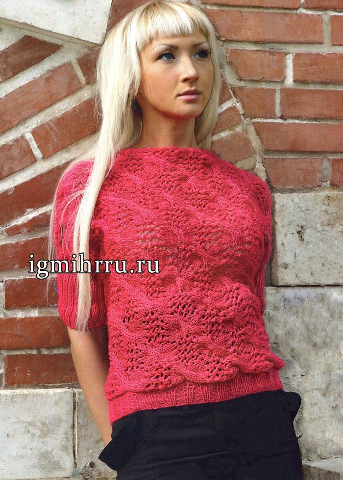 Малиновый цельновязаный пуловер с ажурным узором из кос. Вязание спицами