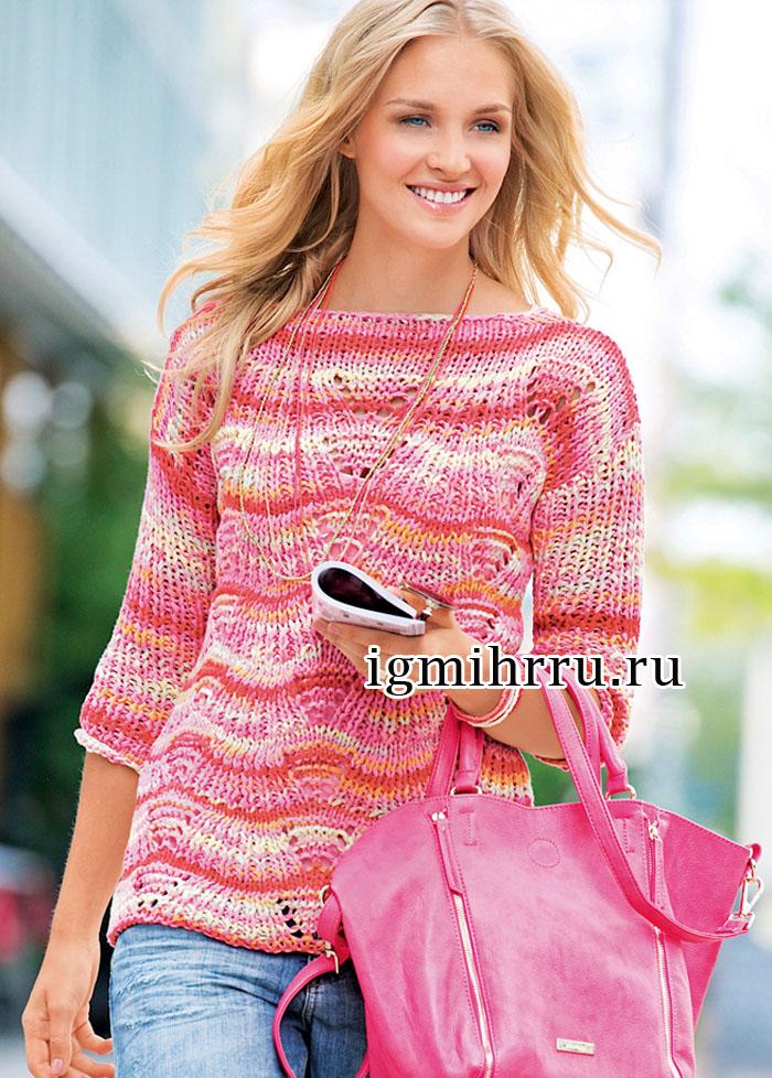 Пуловер из розовой пряжи секционного крашения, с волнообразным ажурным узором. Вязание спицами