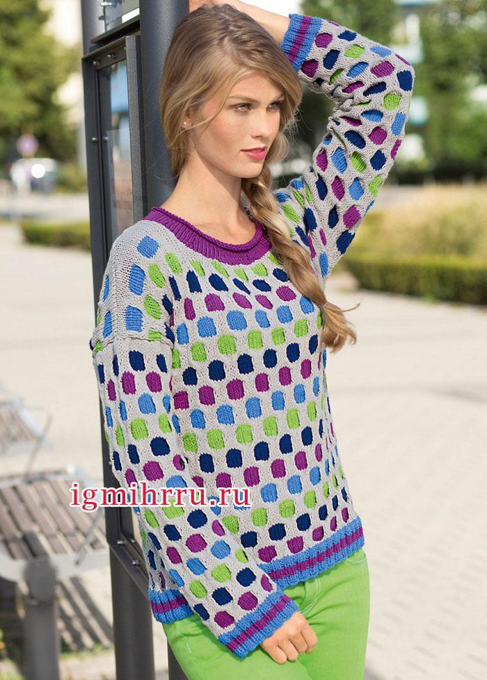 Пуловер со спущенной линией плеча и разноцветным узором из «сот». Вязание спицами