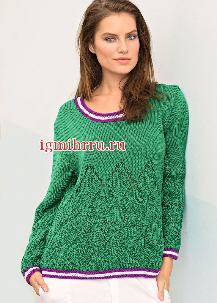 Зеленый пуловер с выразительным узором из патентных резинок и полосатыми планками. Вязание спицами