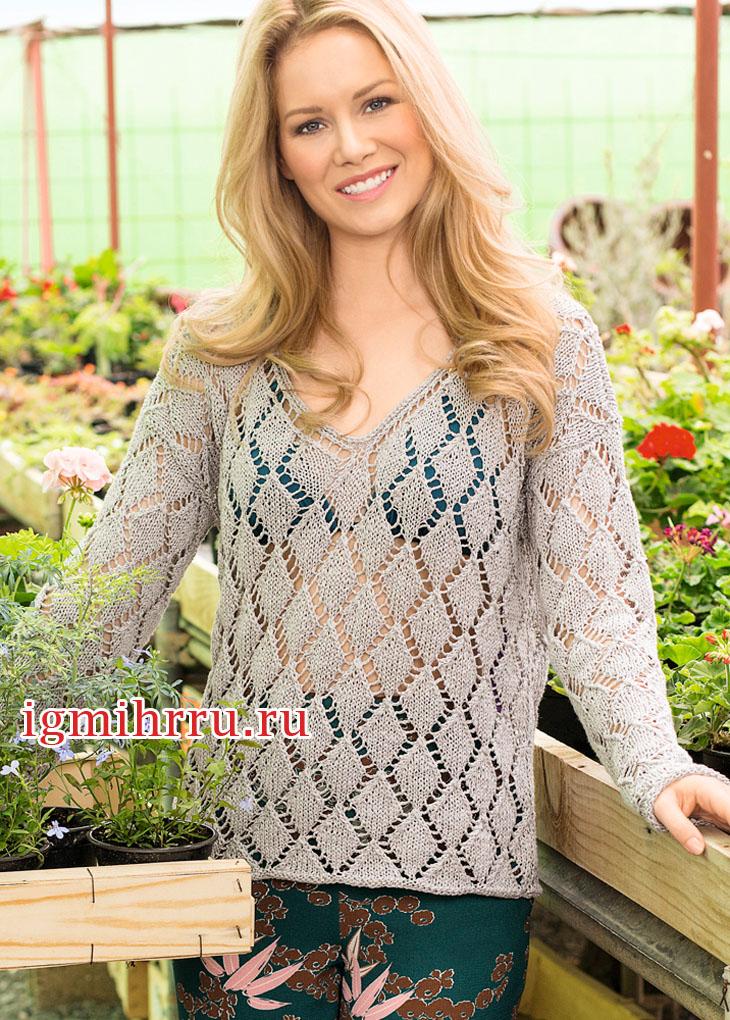 Светло-серый льняной пуловер с узором из воздушных ромбов. Вязание спицами