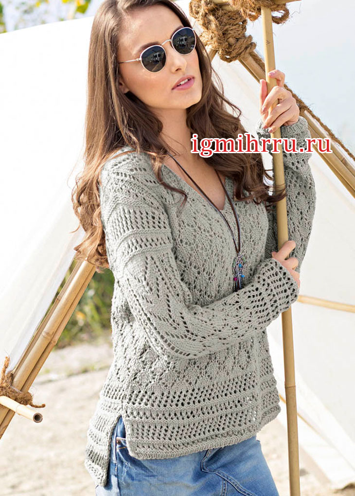 Микс ажурных узоров. Светло-серый пуловер с удлиненной спинкой. Вязание спицами