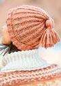 Женская шапка с узором из мелких кос. Спицы
