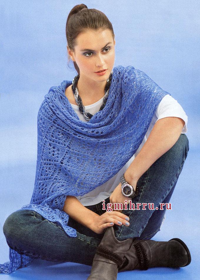 Нежная ажурная шаль голубого цвета. Вязание спицами