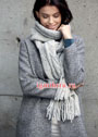 Светло-серый теплый шарф с мотивом Листья. Спицы