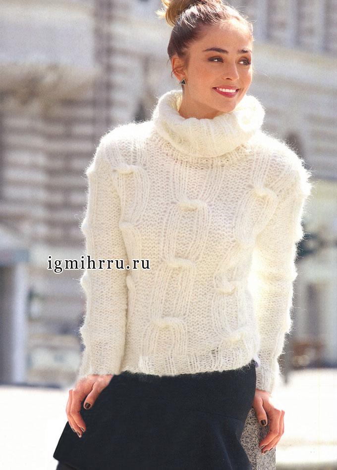 Мягкий и пушистый свитер белого цвета, с узором «Узелки», от Verena. Спицы