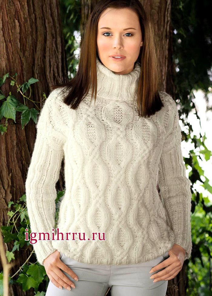 Классический белый свитер с рельефными косами и воротником-гольф. Вязание спицами