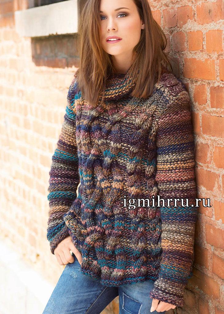 Меланжевый свитер в форме трапеции, с узором из «кос». Вязание спицами